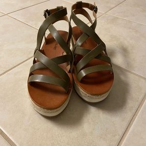 Lucky Brand stewpot wedge sandals